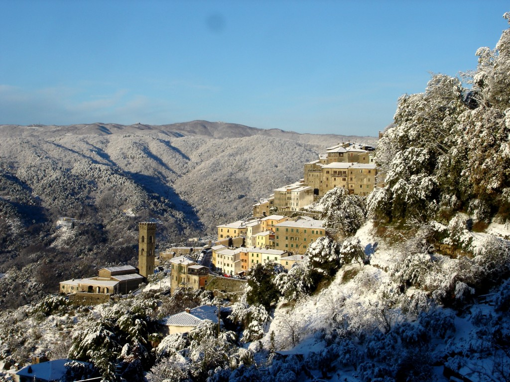 Vellano Snow 2012 www.tuscanyholidays-casaverde.com - Holidays Accommodation & B&B Vellano near Pisa, Lucca & Florence